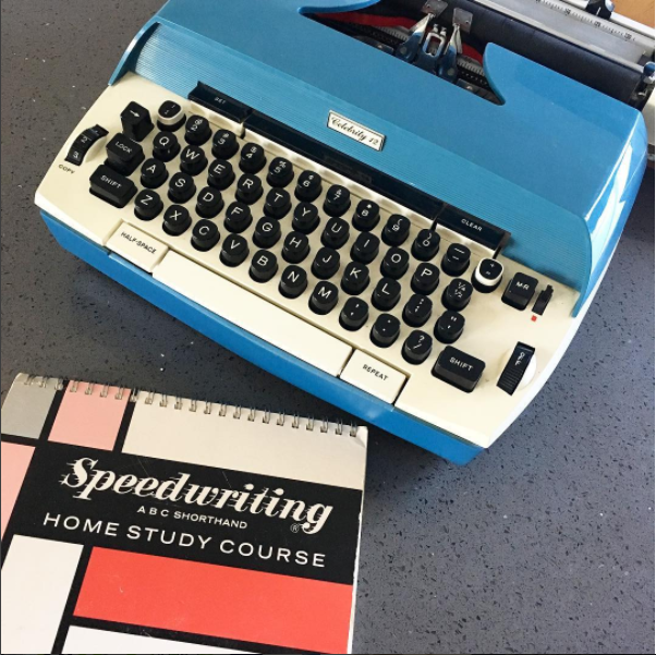 typewriter on trishajennreads